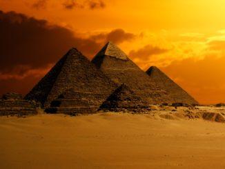 Pyramids of Giza Πυραμίδες της Γκίζας